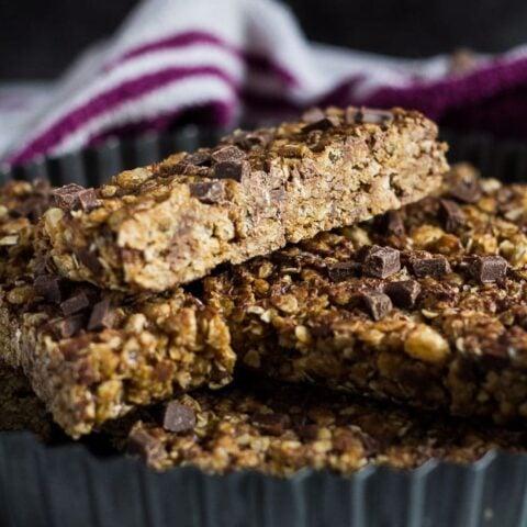 No-Bake Chocolate Chip Peanut Butter Granola Bars
