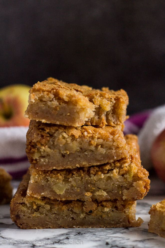 Apple Cinnamon Blondies- These cinnamon-spiced blondies are incredibly thick and chewy with a lovely crinkly top, and stuffed full of juicyapple chunks!