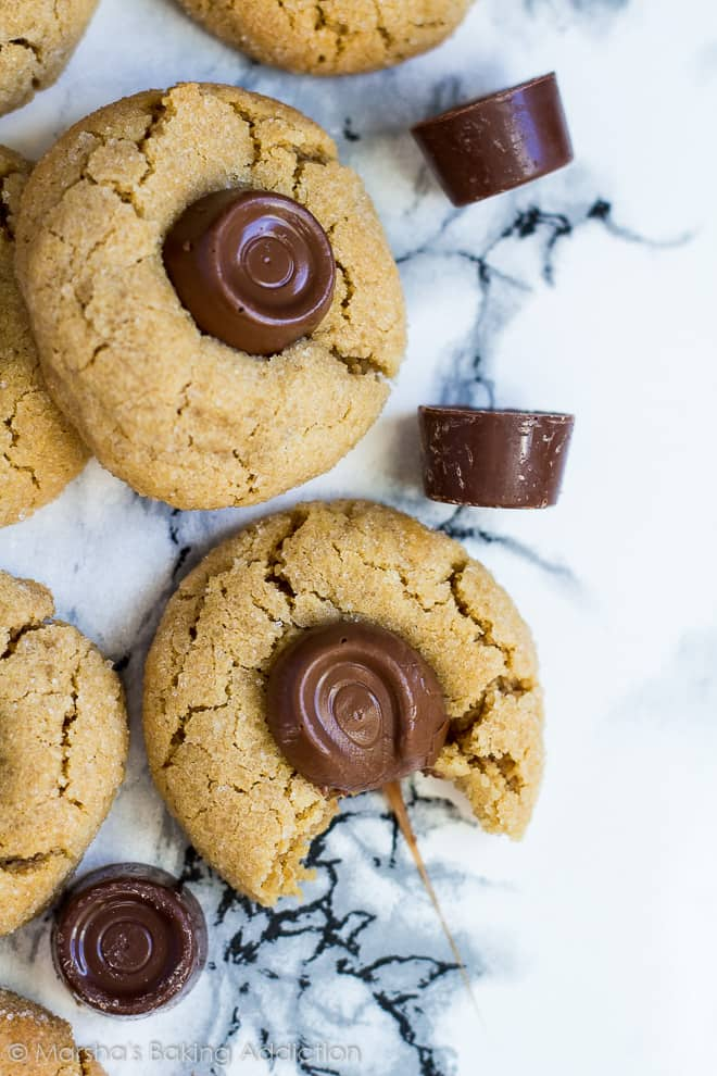 Rolo Peanut Butter Blossoms | marshasbakingaddiction.com @marshasbakeblog