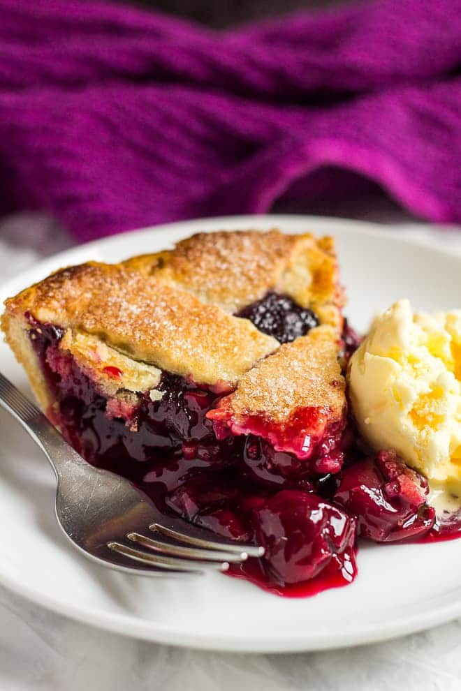 Homemade Cherry Pie | marshasbakingaddiction.com @marshasbakeblog