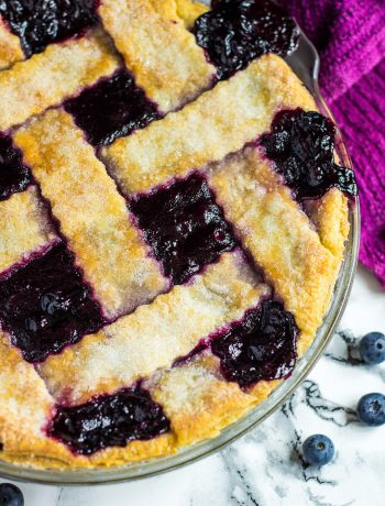 Homemade Blueberry Pie | marshasbakingaddiction.com @marshasbakeblog